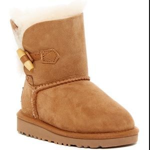 TODDLER SIZE 9 EBONY UGG